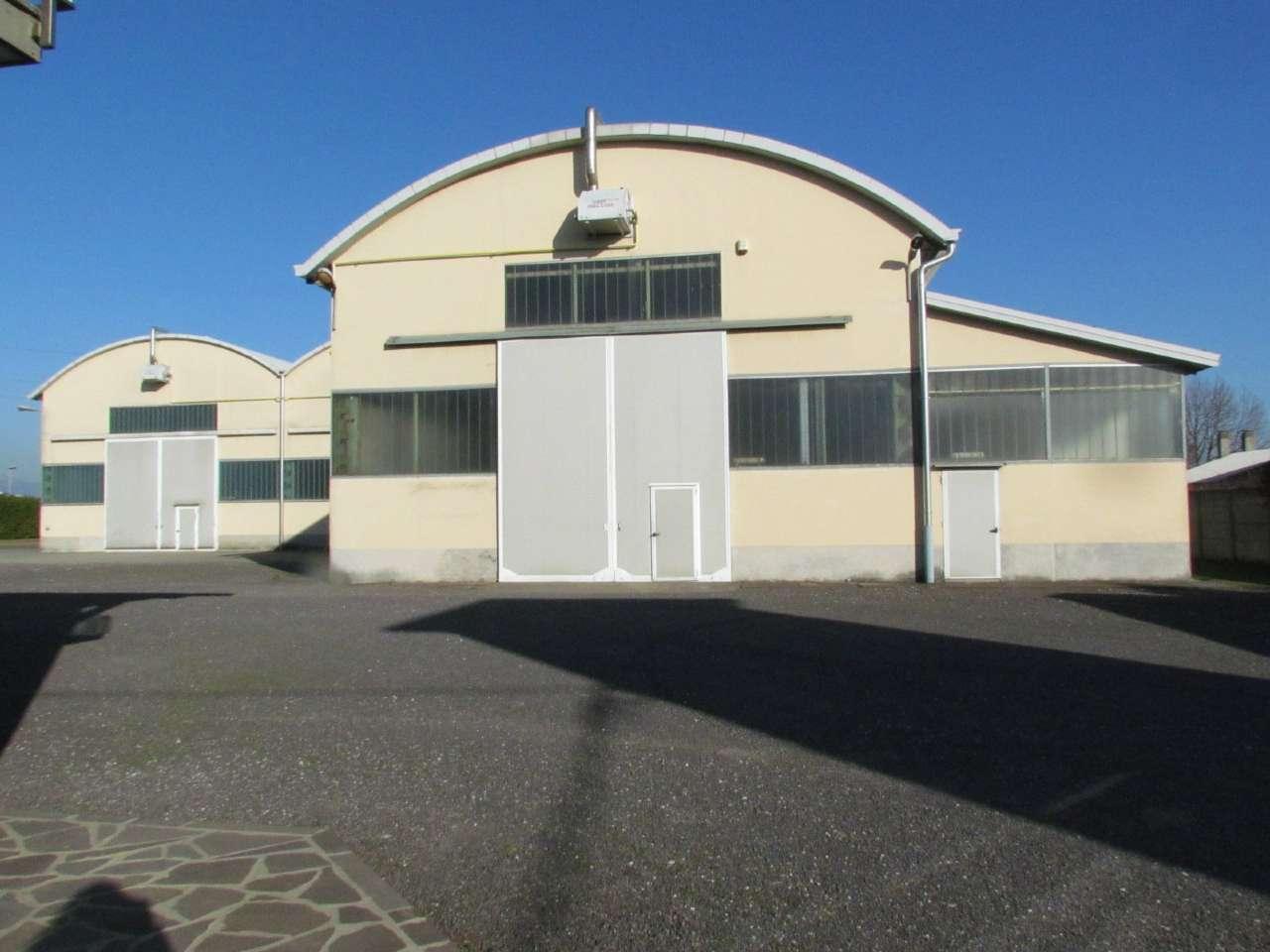 Capannone in vendita a Lonate Ceppino, 9 locali, Trattative riservate | CambioCasa.it