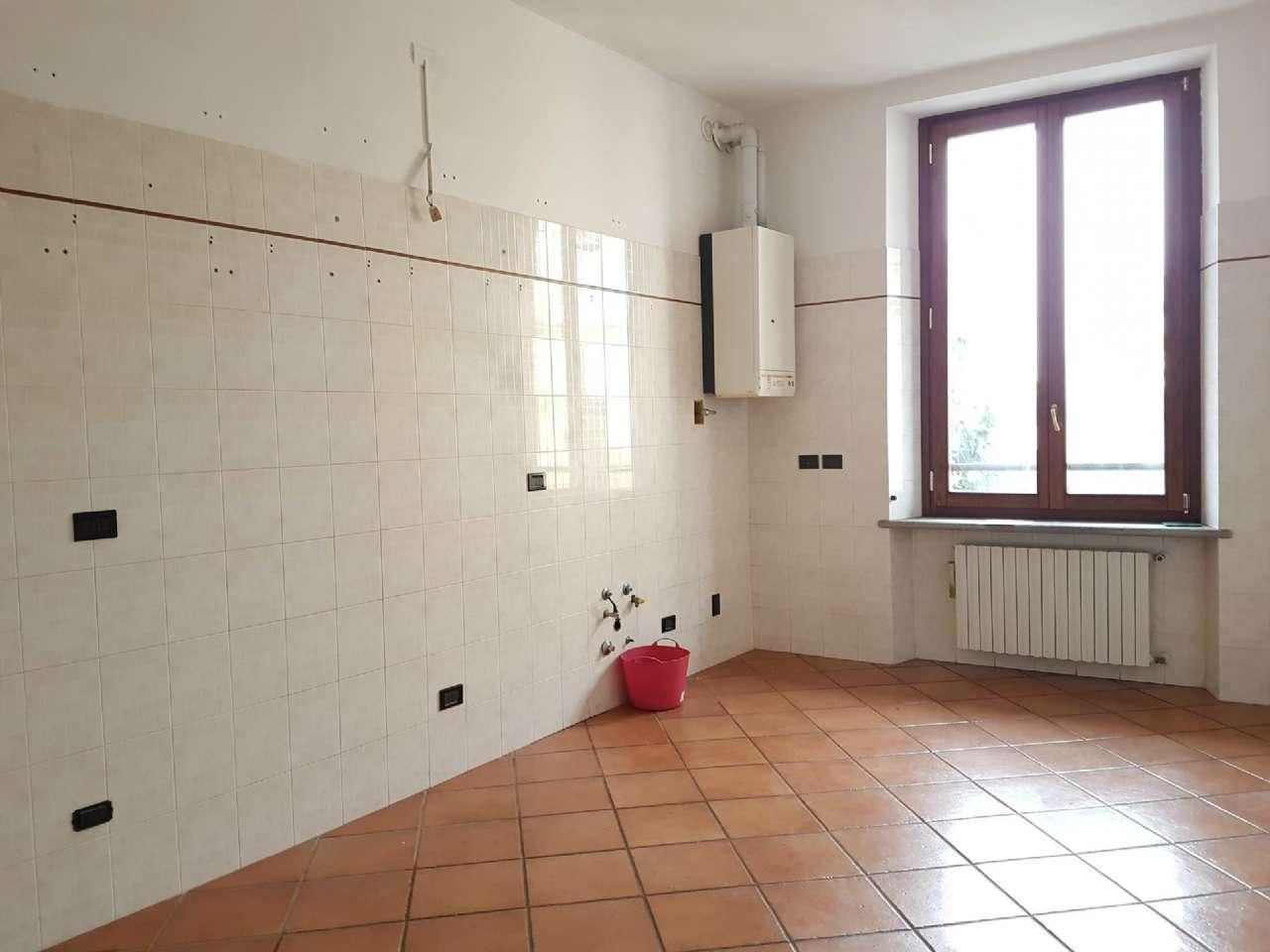 Appartamento in affitto a Tradate, 3 locali, prezzo € 500 | CambioCasa.it