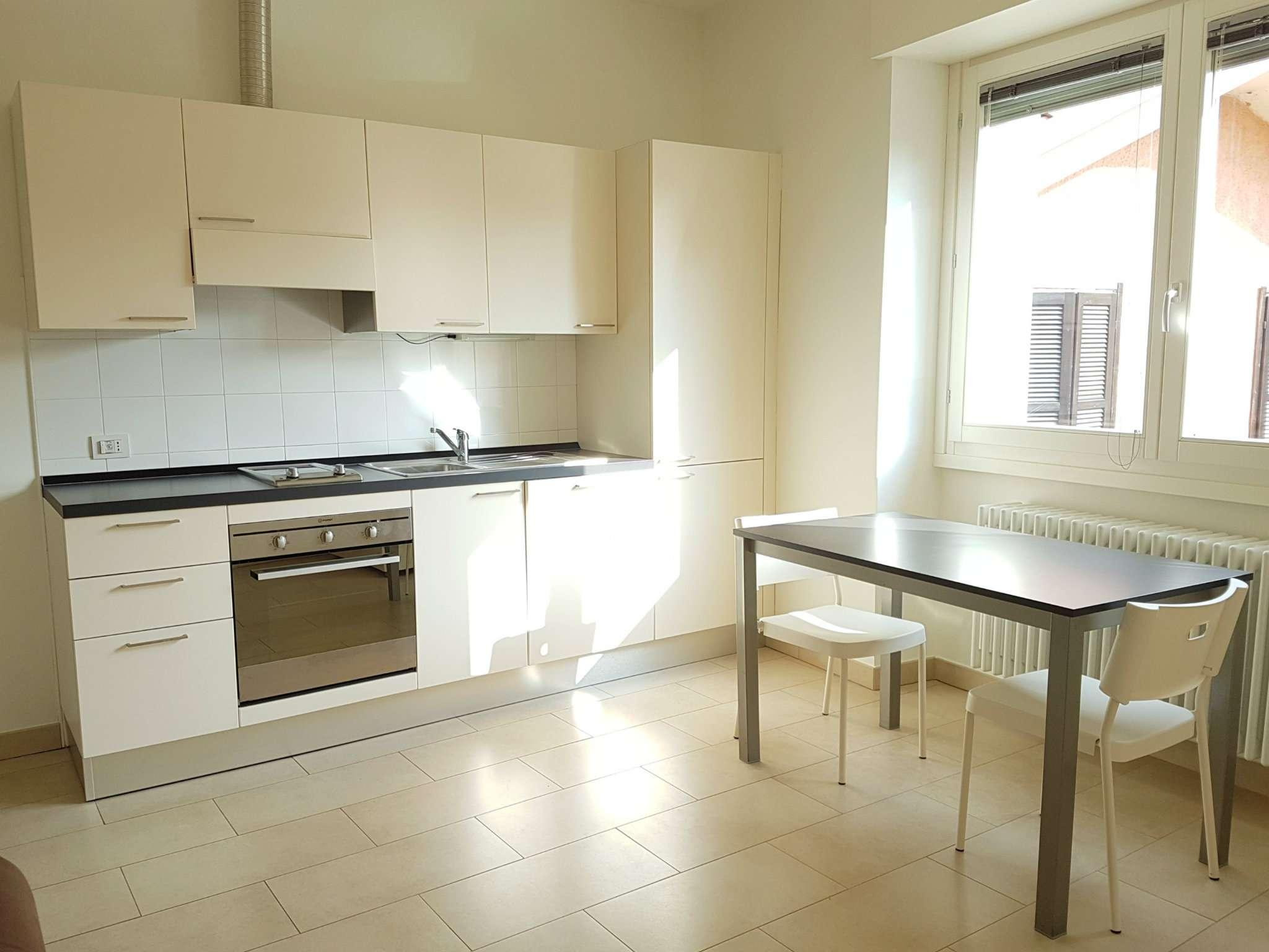 Appartamento in affitto a Tradate, 1 locali, prezzo € 420 | CambioCasa.it