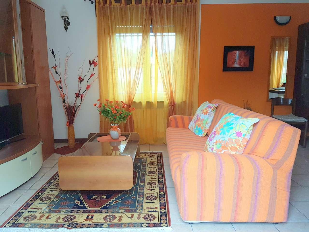 Soluzione Indipendente in affitto a Tradate, 3 locali, prezzo € 650 | CambioCasa.it