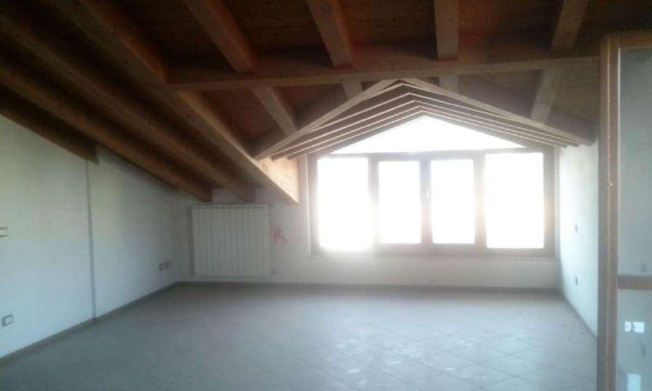 Attico / Mansarda in vendita a Brignano Gera d'Adda, 3 locali, prezzo € 210.000 | CambioCasa.it