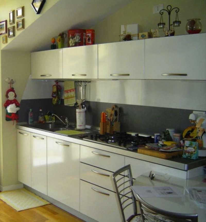 Appartamento in ottime condizioni arredato in vendita Rif. 8761371