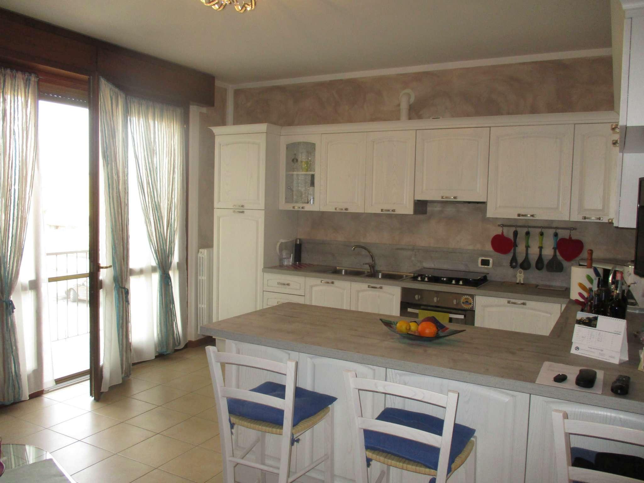 Appartamento in vendita a Fara Olivana con Sola, 2 locali, prezzo € 83.000   CambioCasa.it