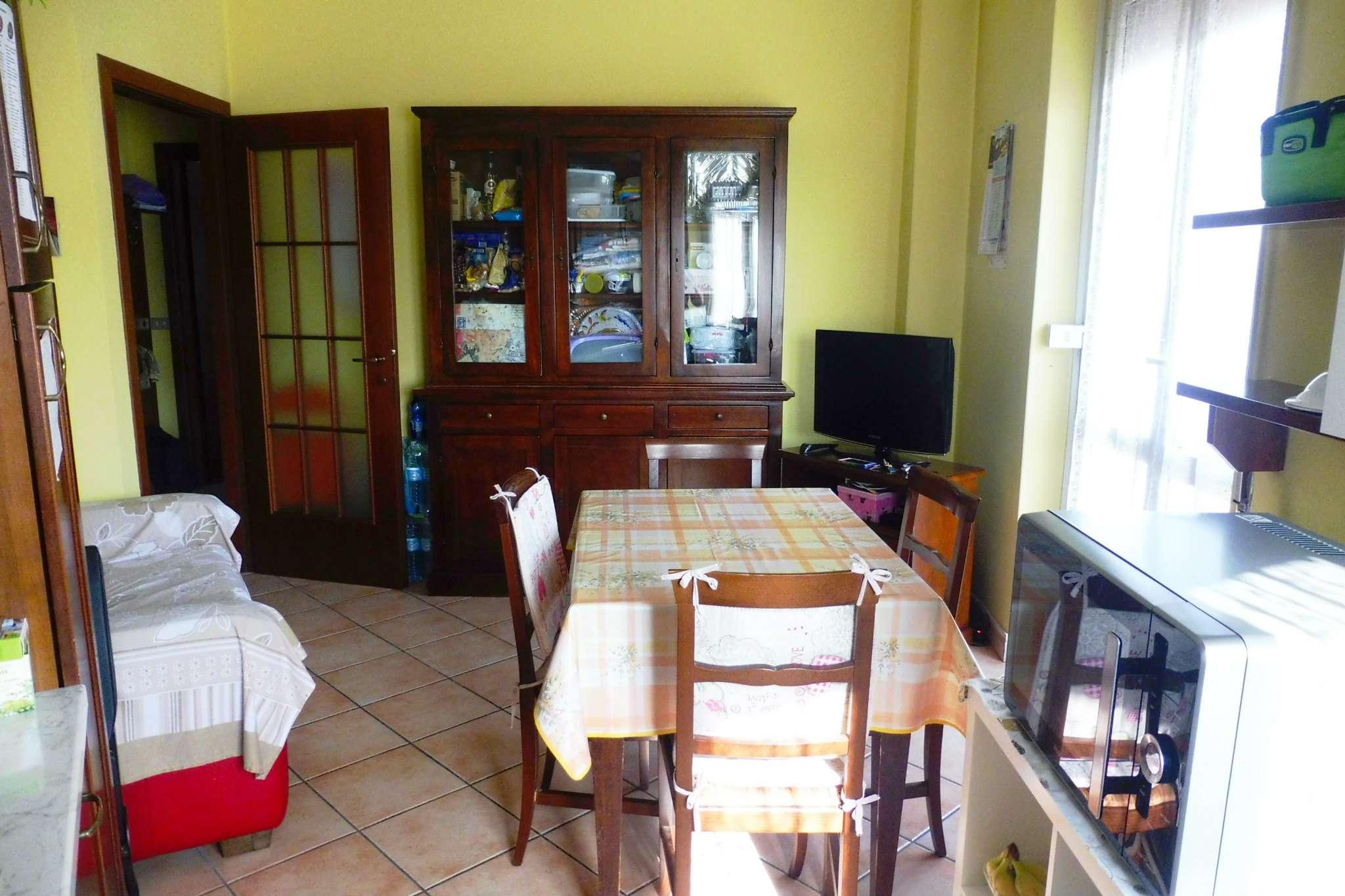 Appartamento in buone condizioni arredato in affitto Rif. 7364220