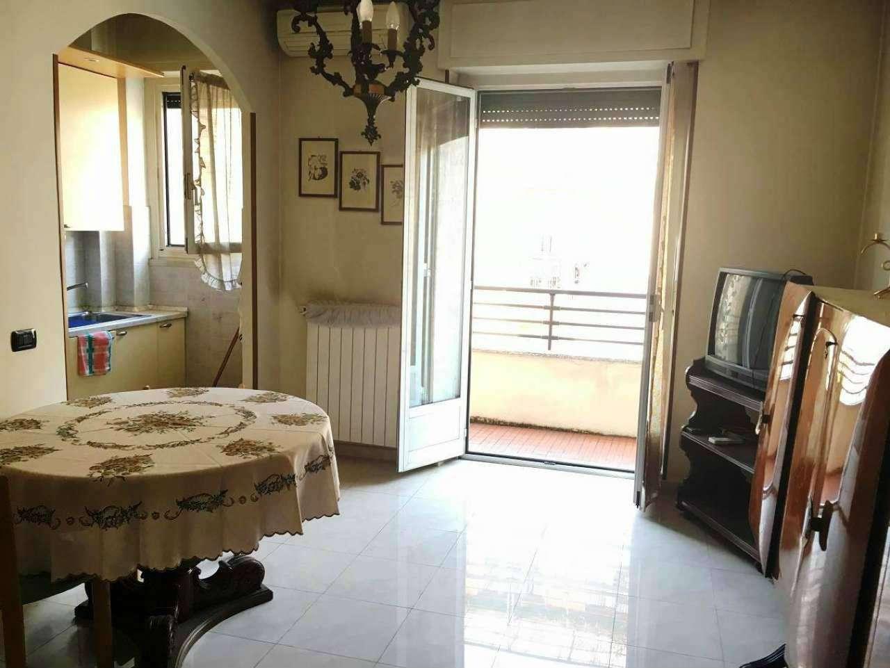 Appartamento in buone condizioni in vendita Rif. 7349358