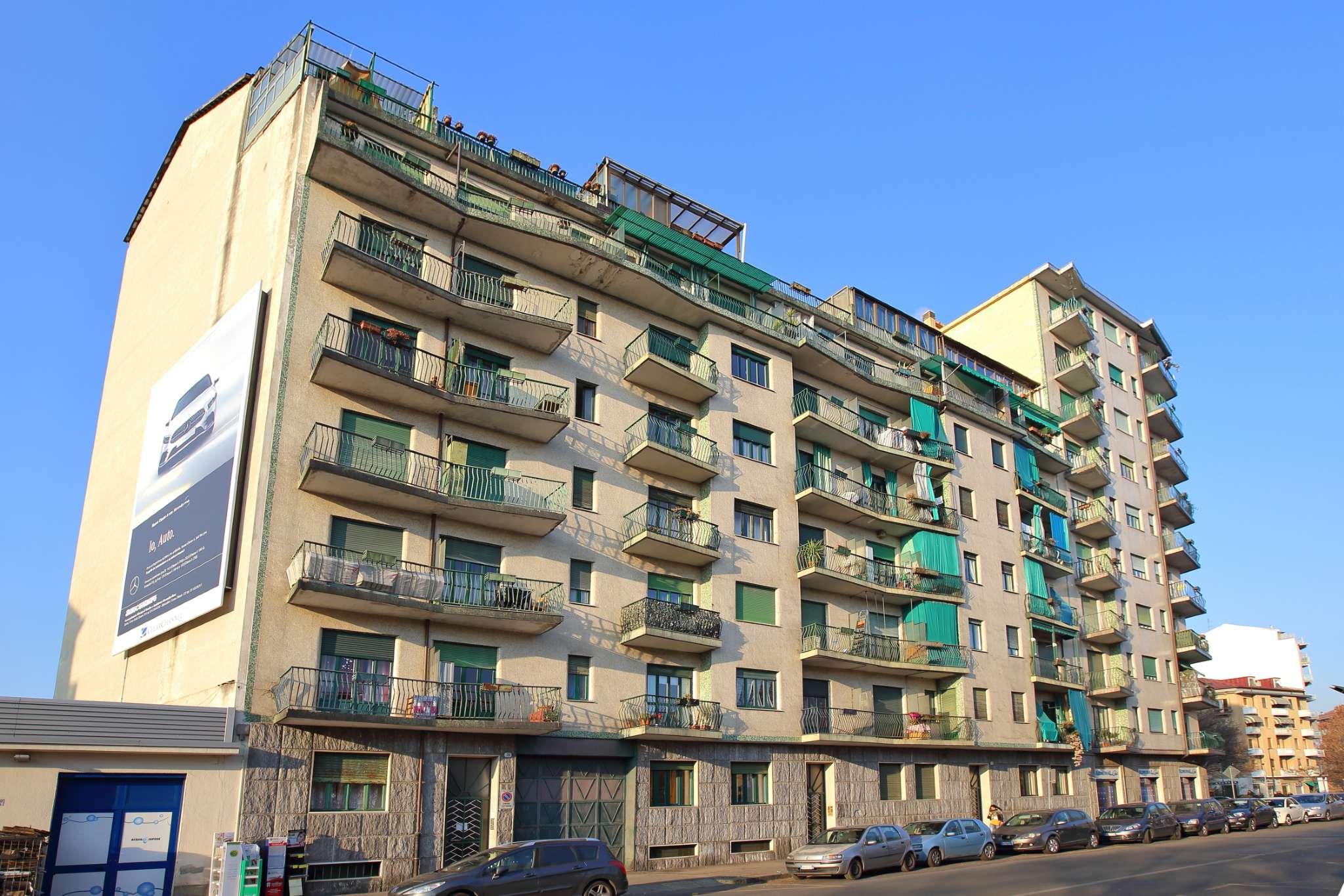 Appartamento in buone condizioni in vendita Rif. 9364500