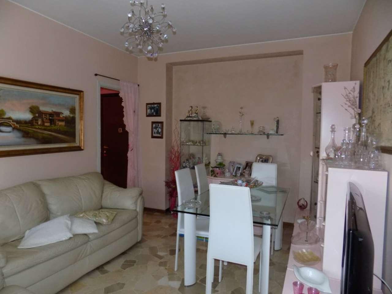 Appartamento in vendita a Senago, 3 locali, prezzo € 119.000 | CambioCasa.it