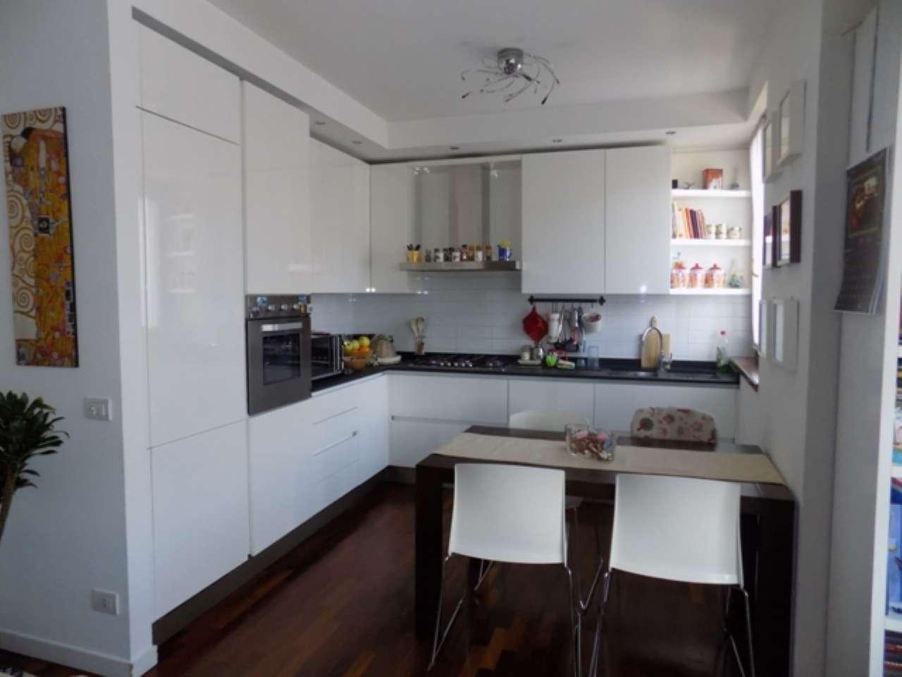 Appartamento in vendita a Senago, 3 locali, prezzo € 207.000 | CambioCasa.it