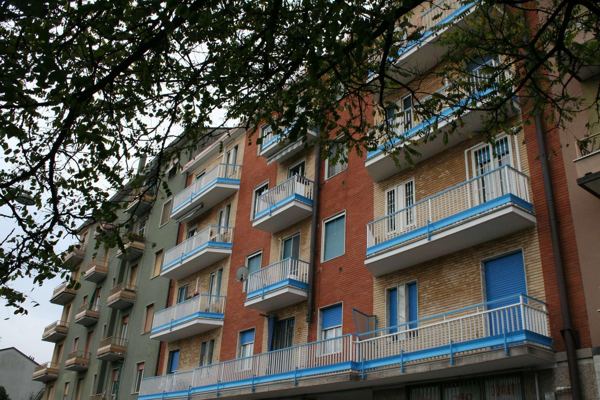 Appartamento in discrete condizioni in vendita Rif. 7911159