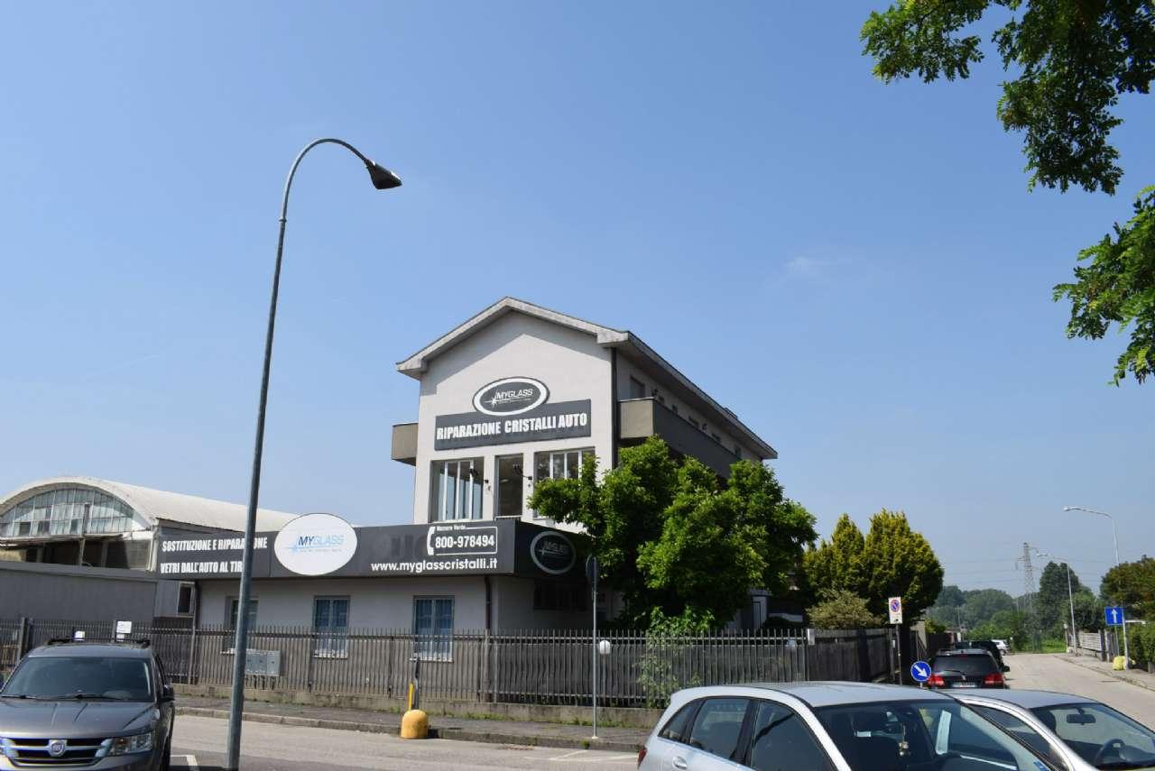 Immobile Commerciale in vendita a Vizzolo Predabissi, 10 locali, prezzo € 650.000 | CambioCasa.it