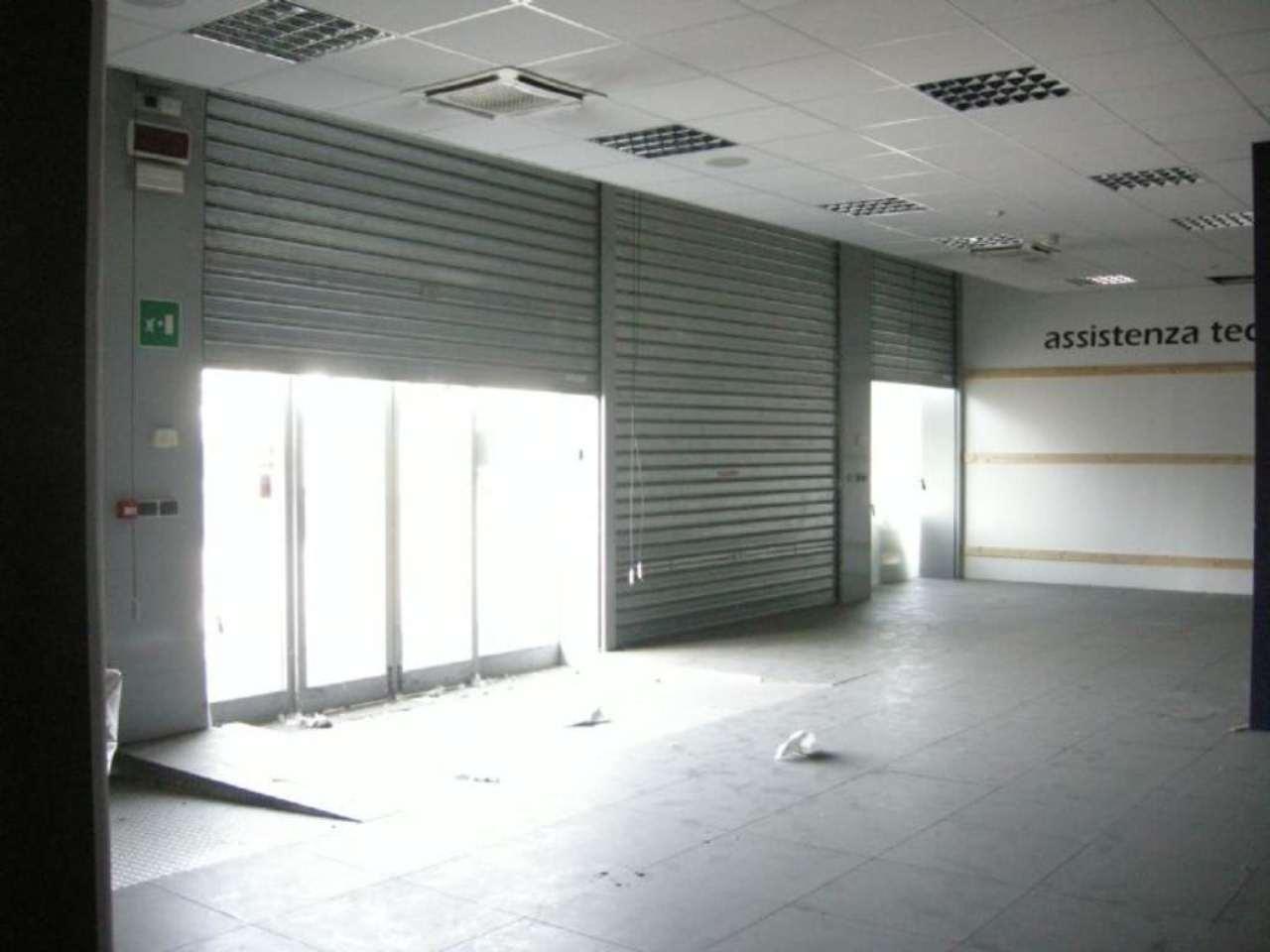 Negozio / Locale in vendita a Cernusco sul Naviglio, 9999 locali, prezzo € 1.100.000 | PortaleAgenzieImmobiliari.it