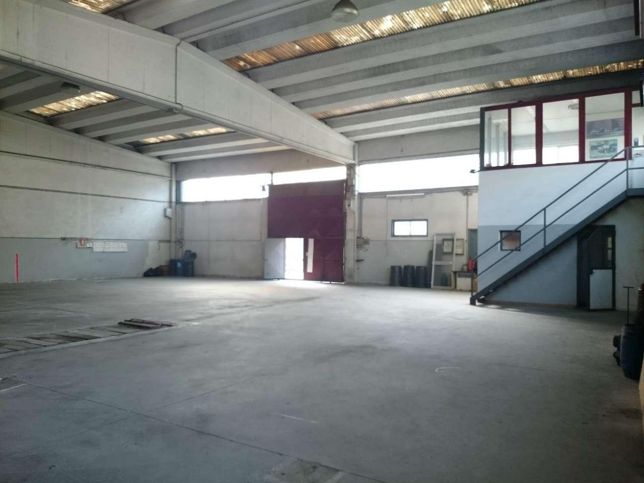 Capannone in vendita a Cernusco sul Naviglio, 1 locali, prezzo € 340.000 | PortaleAgenzieImmobiliari.it