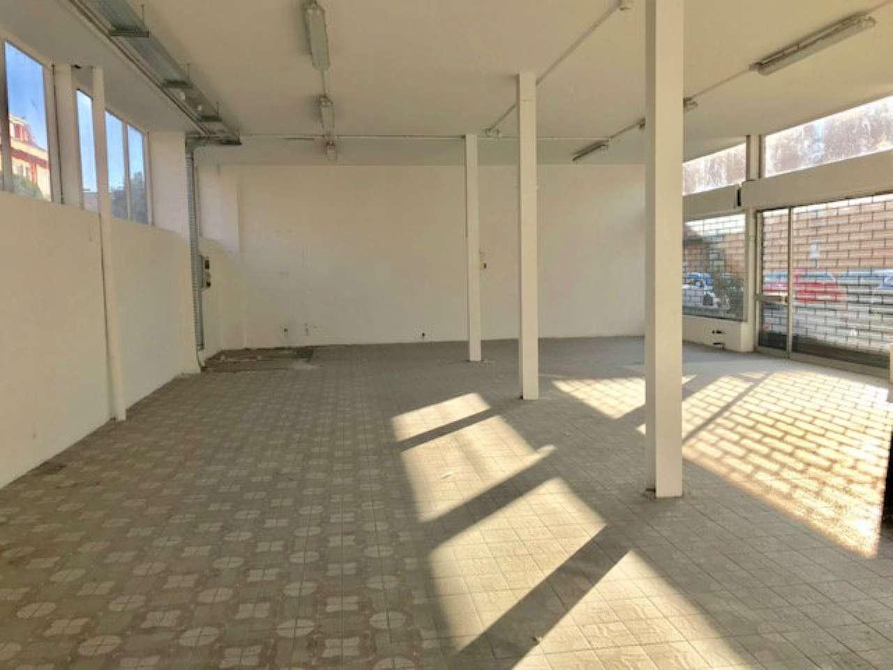 Ufficio / Studio in vendita a Cassano d'Adda, 1 locali, prezzo € 1.250 | PortaleAgenzieImmobiliari.it