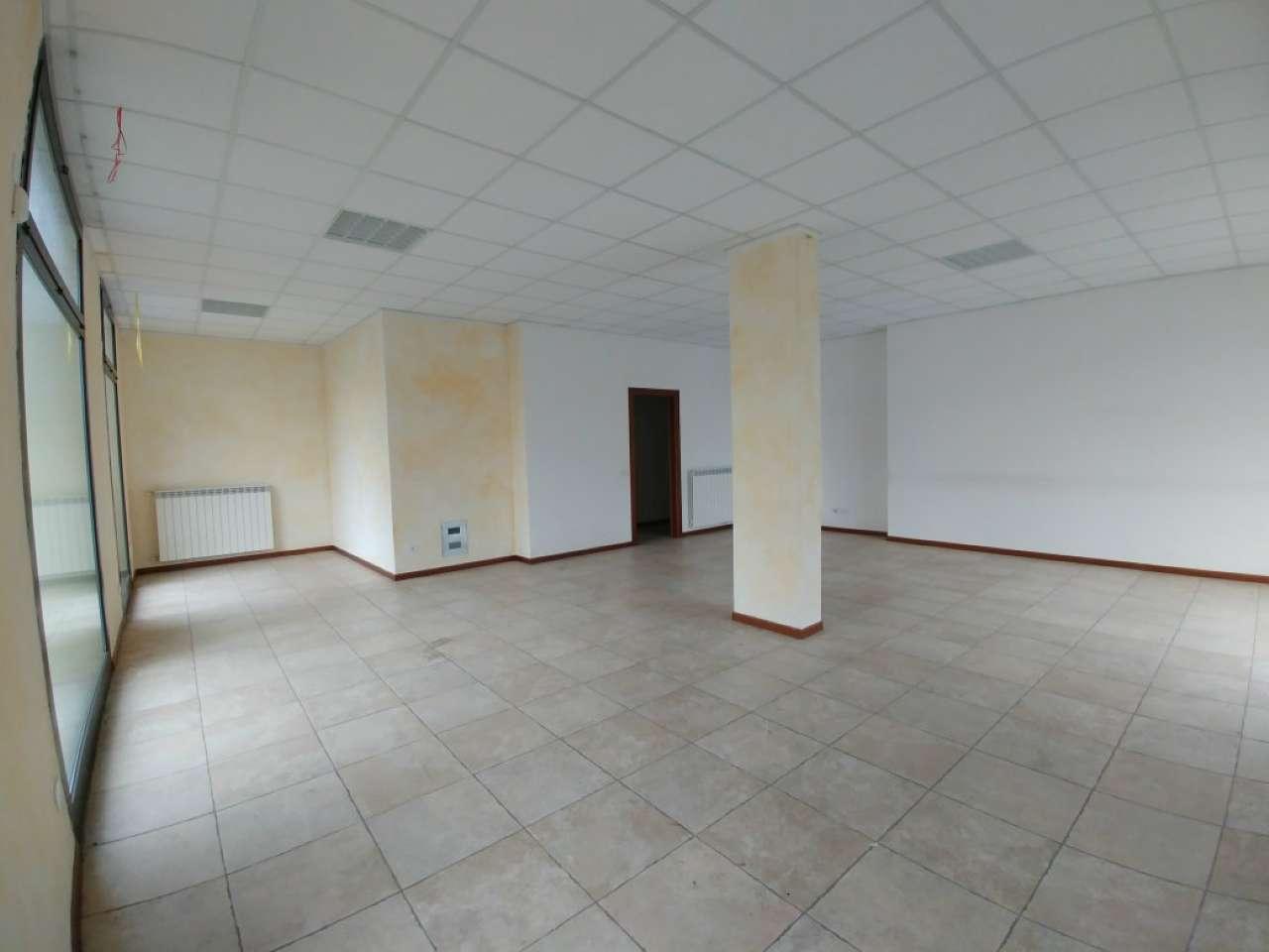 Negozio / Locale in vendita a Pioltello, 1 locali, prezzo € 150.000 | PortaleAgenzieImmobiliari.it