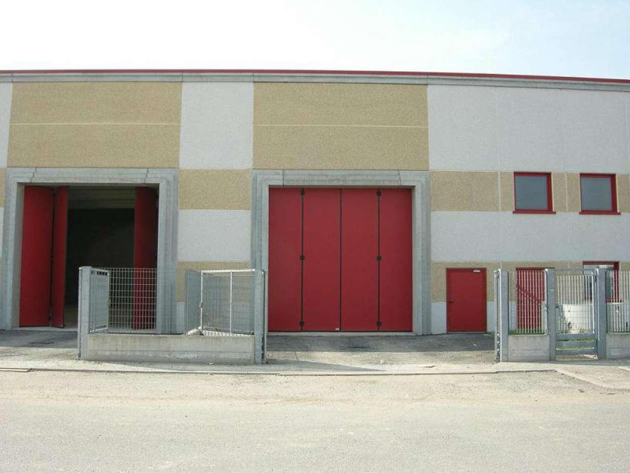 Capannone in affitto a Inzago, 1 locali, prezzo € 2.500 | CambioCasa.it