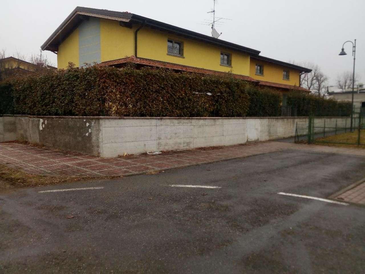 Villa in vendita a Filago, 3 locali, prezzo € 150.000 | CambioCasa.it