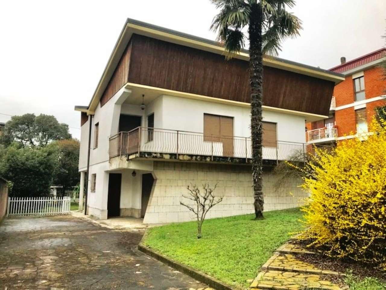 Villa in vendita a Canonica d'Adda, 5 locali, prezzo € 190.000 | CambioCasa.it