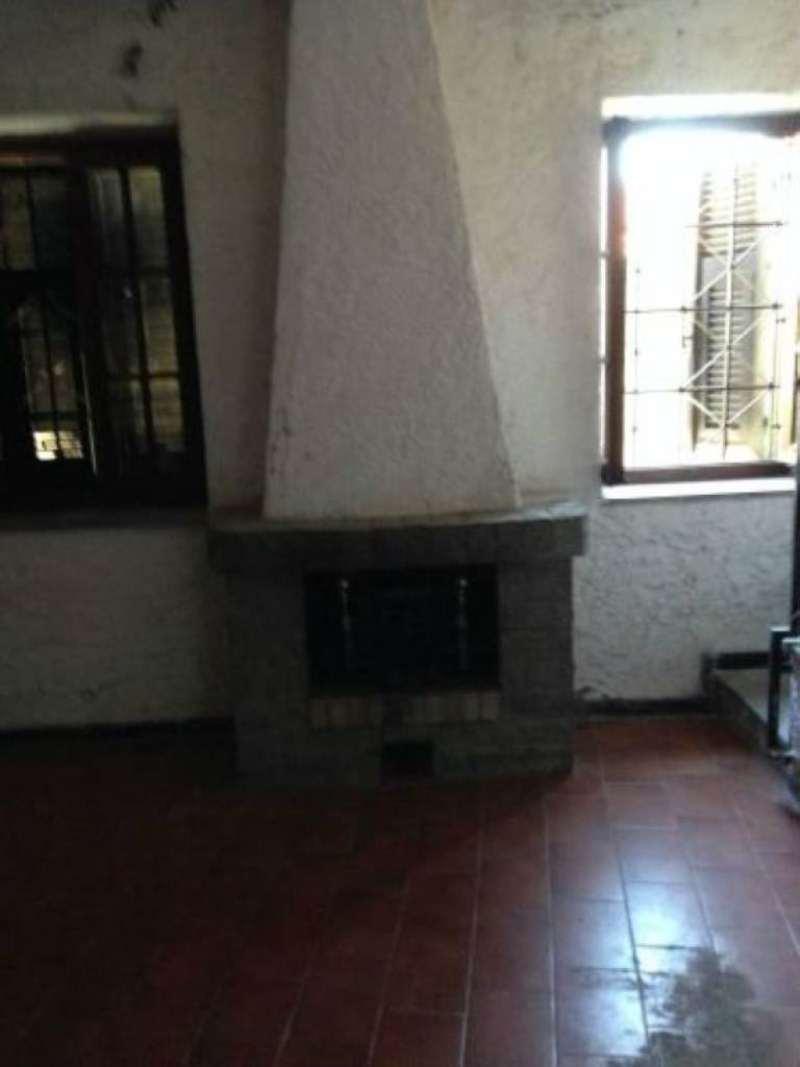 Palazzo / Stabile in vendita a Arcola, 7 locali, prezzo € 220.000 | PortaleAgenzieImmobiliari.it