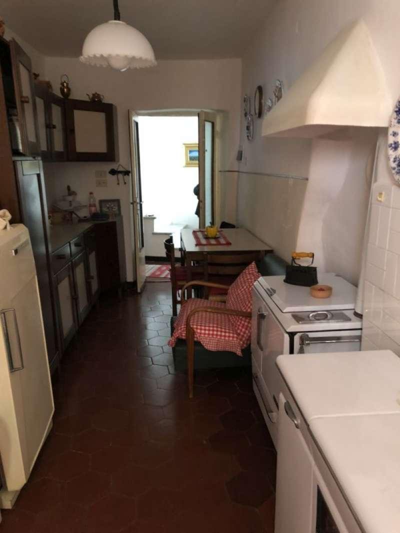 Appartamento in vendita a Vezzano Ligure, 4 locali, prezzo € 75.000 | PortaleAgenzieImmobiliari.it