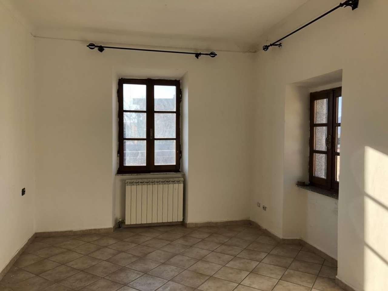 23688 Appartamento 4 vani in vendita ad Albiano Magra