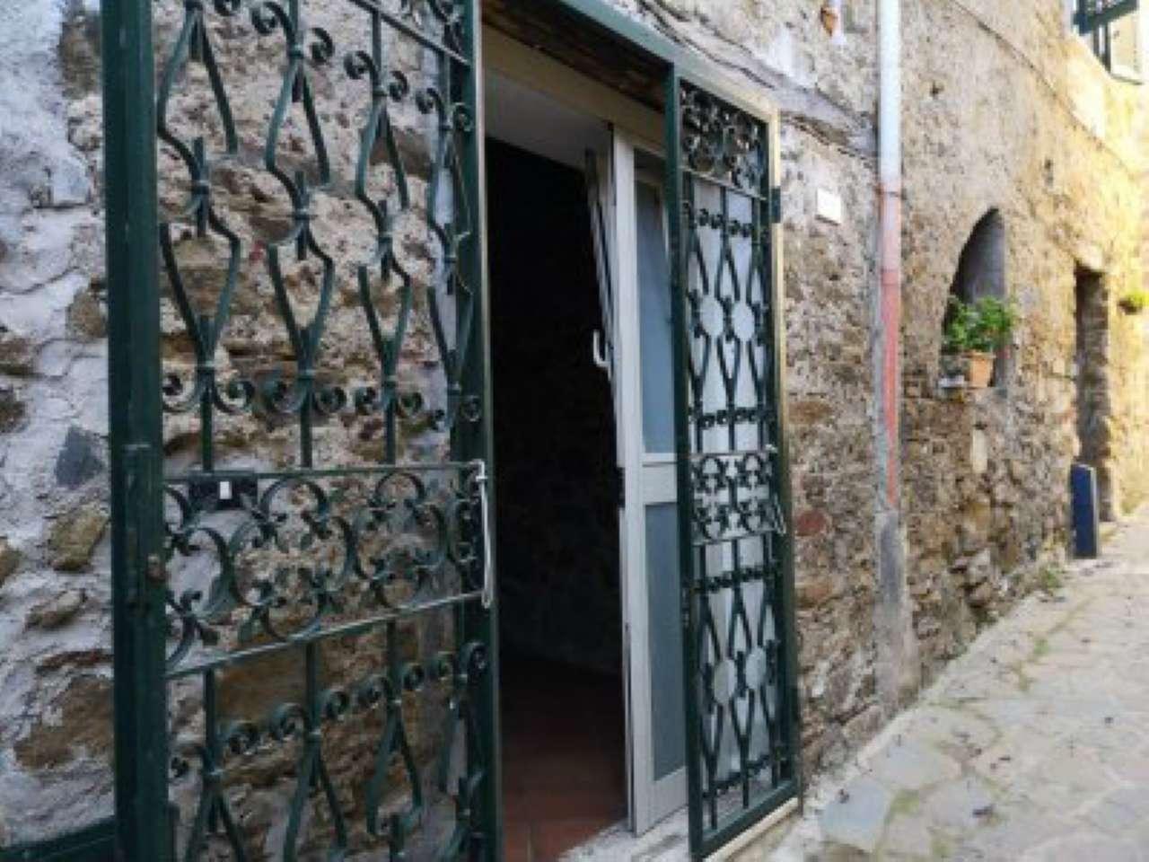 Appartamento in vendita a Altavilla Silentina, 2 locali, prezzo € 30.000   CambioCasa.it