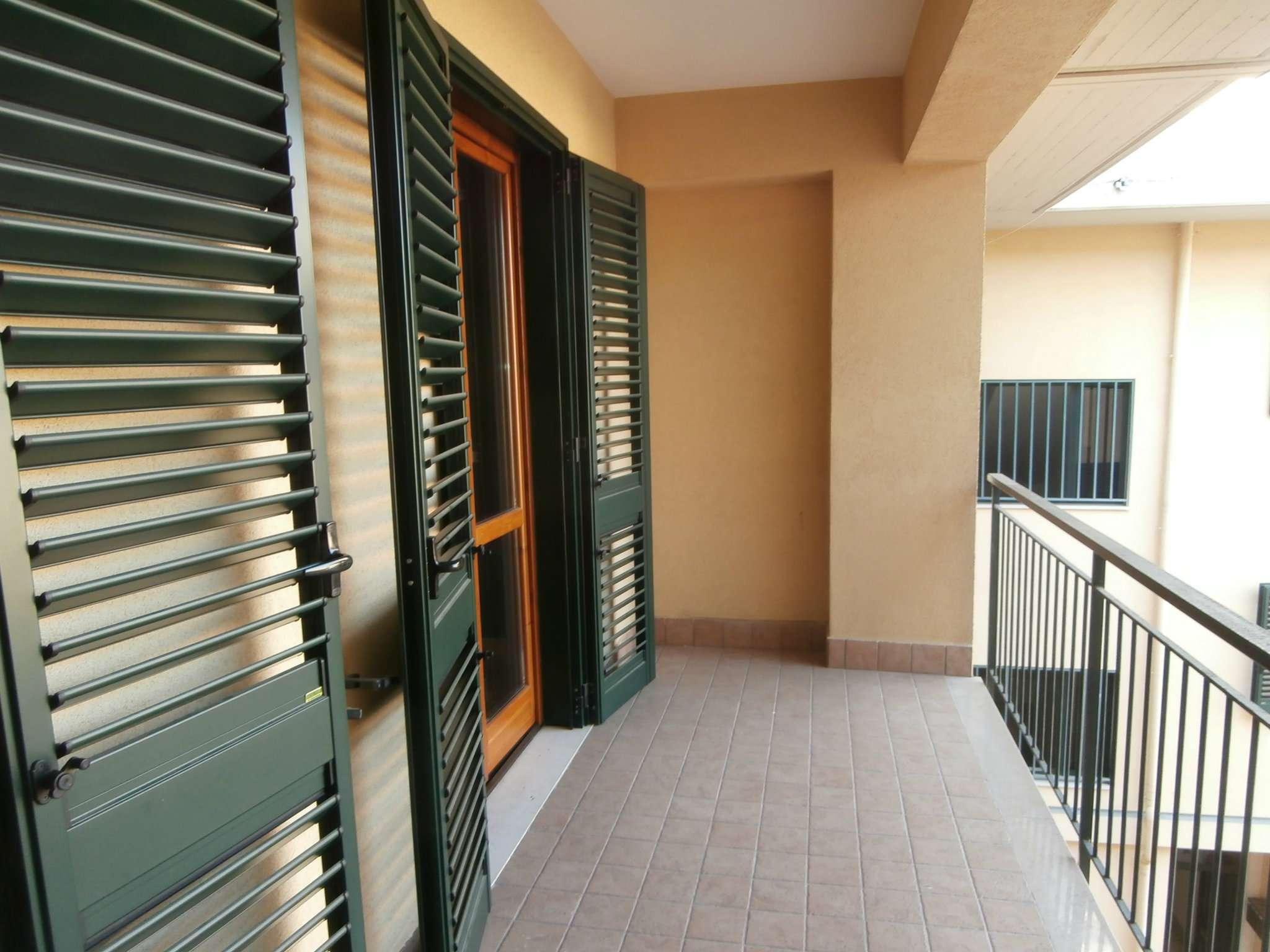 Appartamento in vendita a Montecorvino Pugliano, 3 locali, prezzo € 130.000   CambioCasa.it