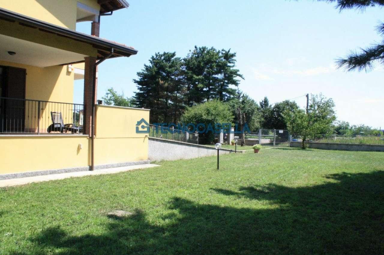 Villa in vendita a Arluno, 4 locali, prezzo € 350.000 | CambioCasa.it