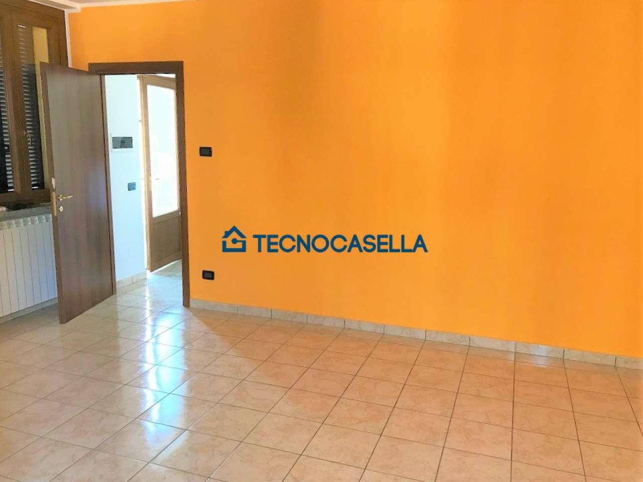 Appartamento in affitto a Arluno, 2 locali, prezzo € 450 | CambioCasa.it