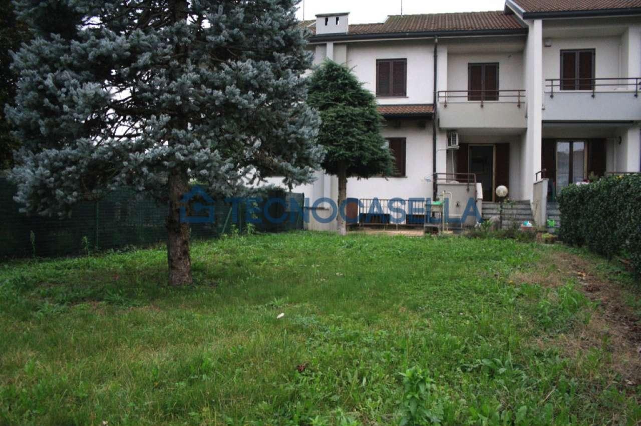 Villa a Schiera in Vendita a Ossona