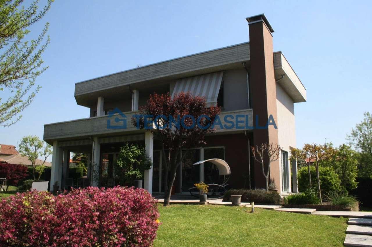 Villa in vendita a Casorezzo, 4 locali, prezzo € 490.000 | CambioCasa.it