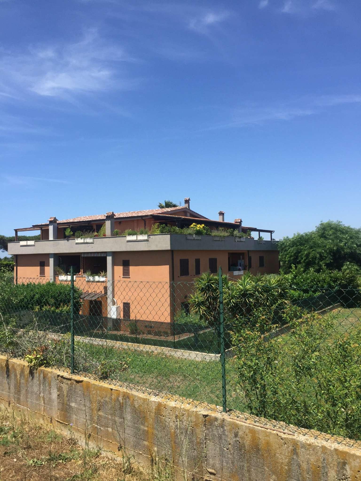 Appartamento in vendita a Roma, 3 locali, zona Zona: 37 . Morena - Ciampino - Trigoria - Falcognana, prezzo € 150.000 | CambioCasa.it
