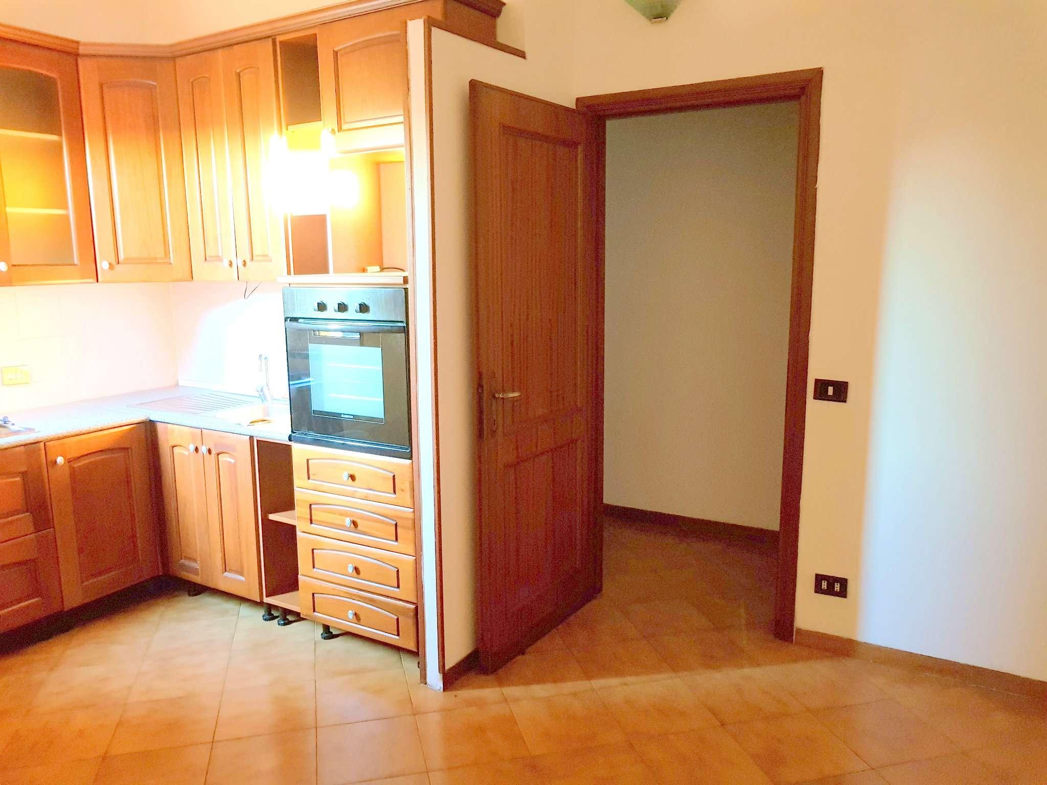 Appartamento in affitto a Roma, 4 locali, zona Zona: 37 . Morena - Ciampino - Trigoria - Falcognana, prezzo € 650 | CambioCasa.it