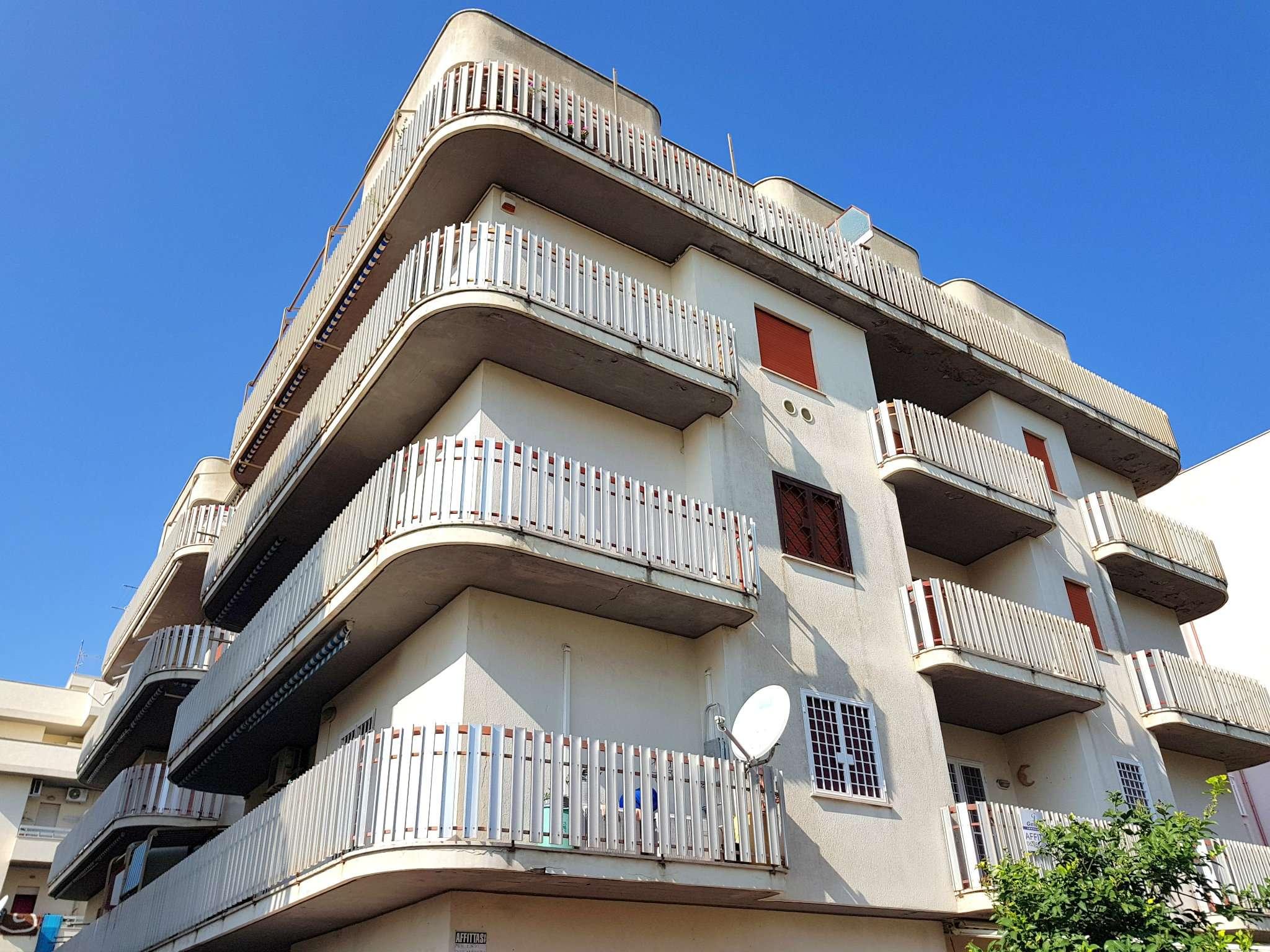 Appartamento in vendita a Nettuno, 3 locali, prezzo € 129.000 | CambioCasa.it