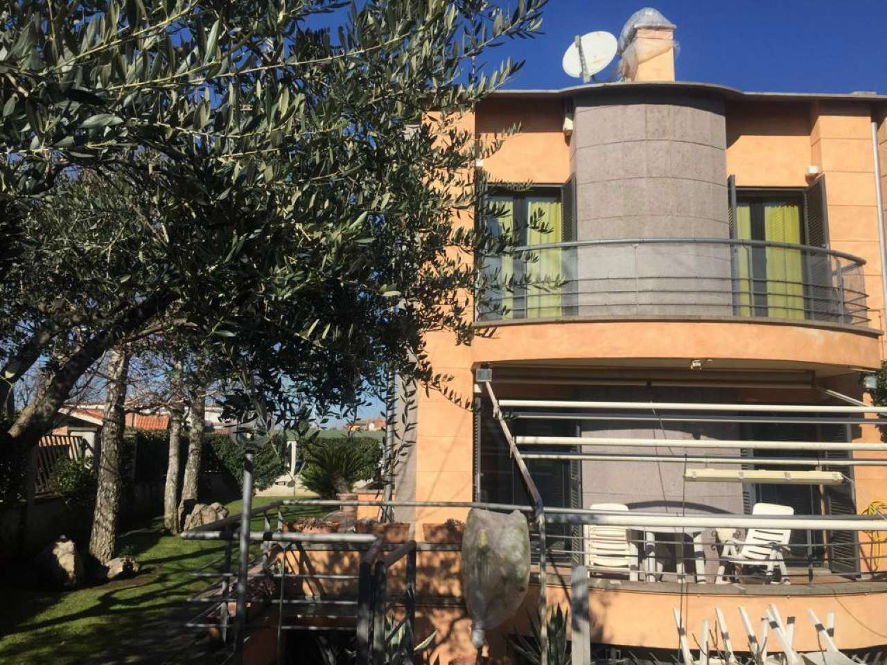 Villa a Schiera in vendita a Ciampino, 6 locali, prezzo € 369.000   CambioCasa.it