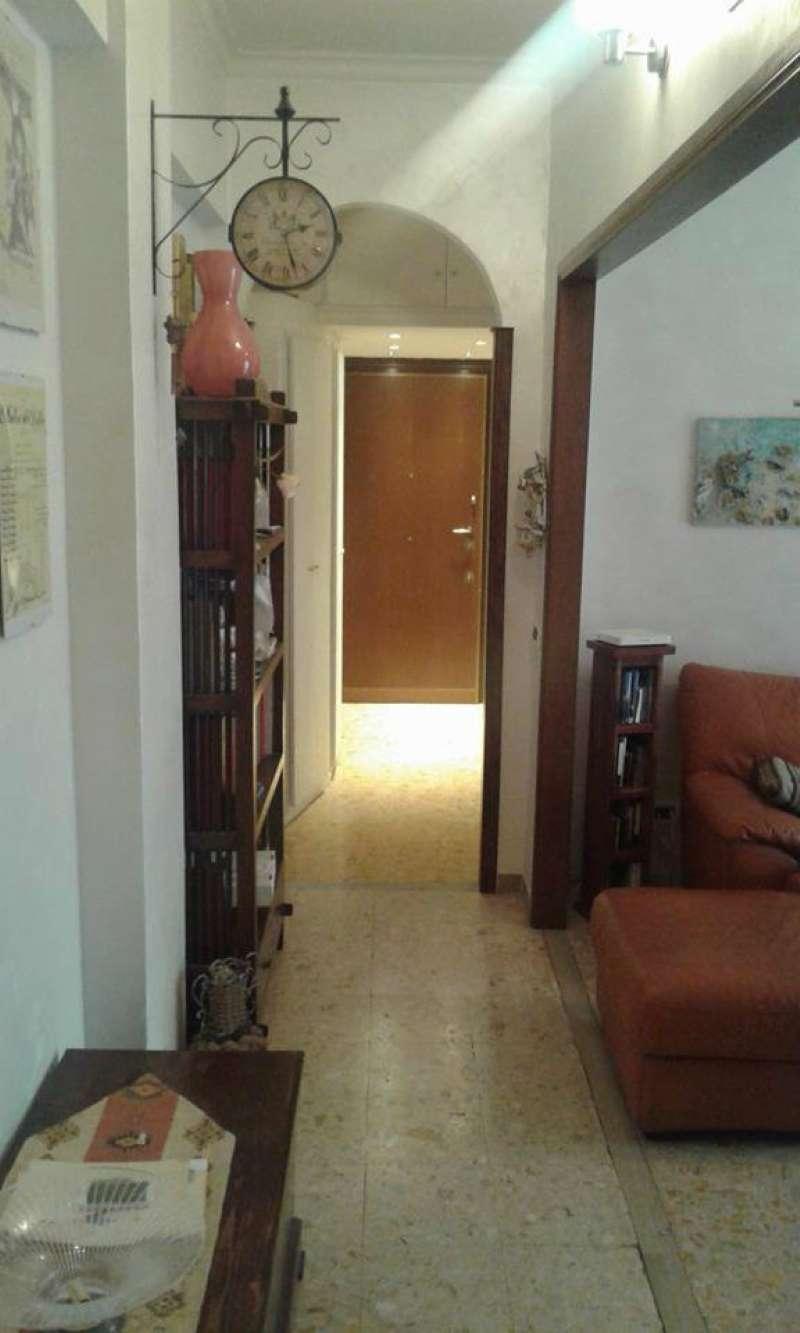 Appartamento in vendita a Roma, 5 locali, zona Zona: 16 . Appia nuova - Alberone - Colli Albani, prezzo € 325.000 | CambioCasa.it