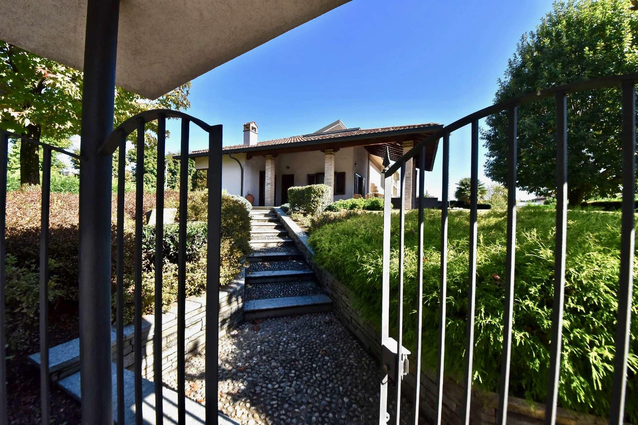 Villa in vendita a Macherio, 5 locali, prezzo € 700.000 | PortaleAgenzieImmobiliari.it