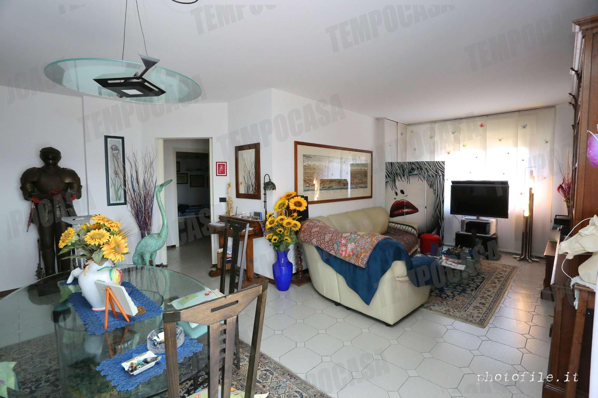 Appartamento in ottime condizioni in vendita Rif. 8468195