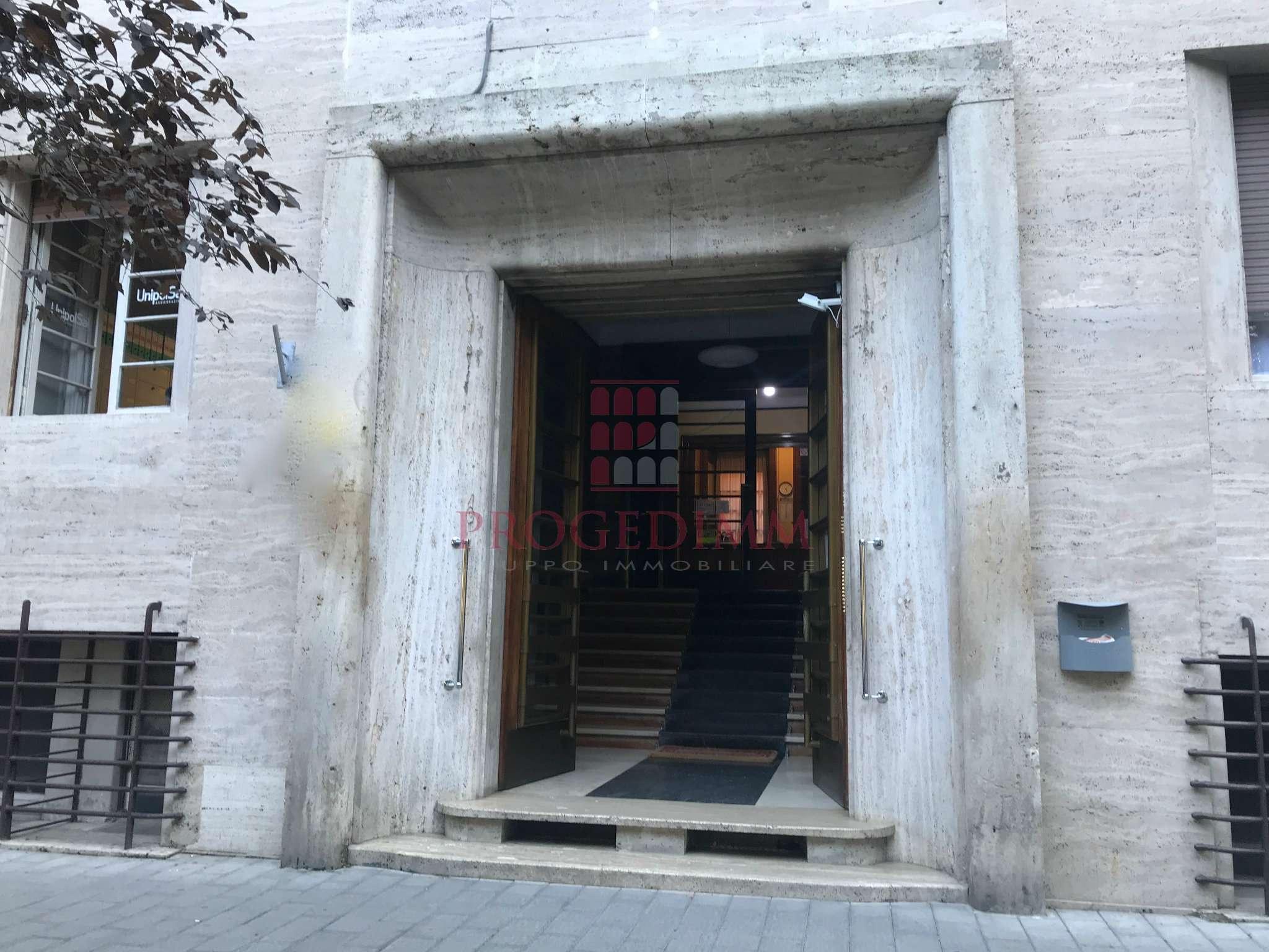 Appartamento in vendita a Roma, 4 locali, zona Zona: 30 . Prati, Borgo, San Pietro, prezzo € 299.000 | CambioCasa.it