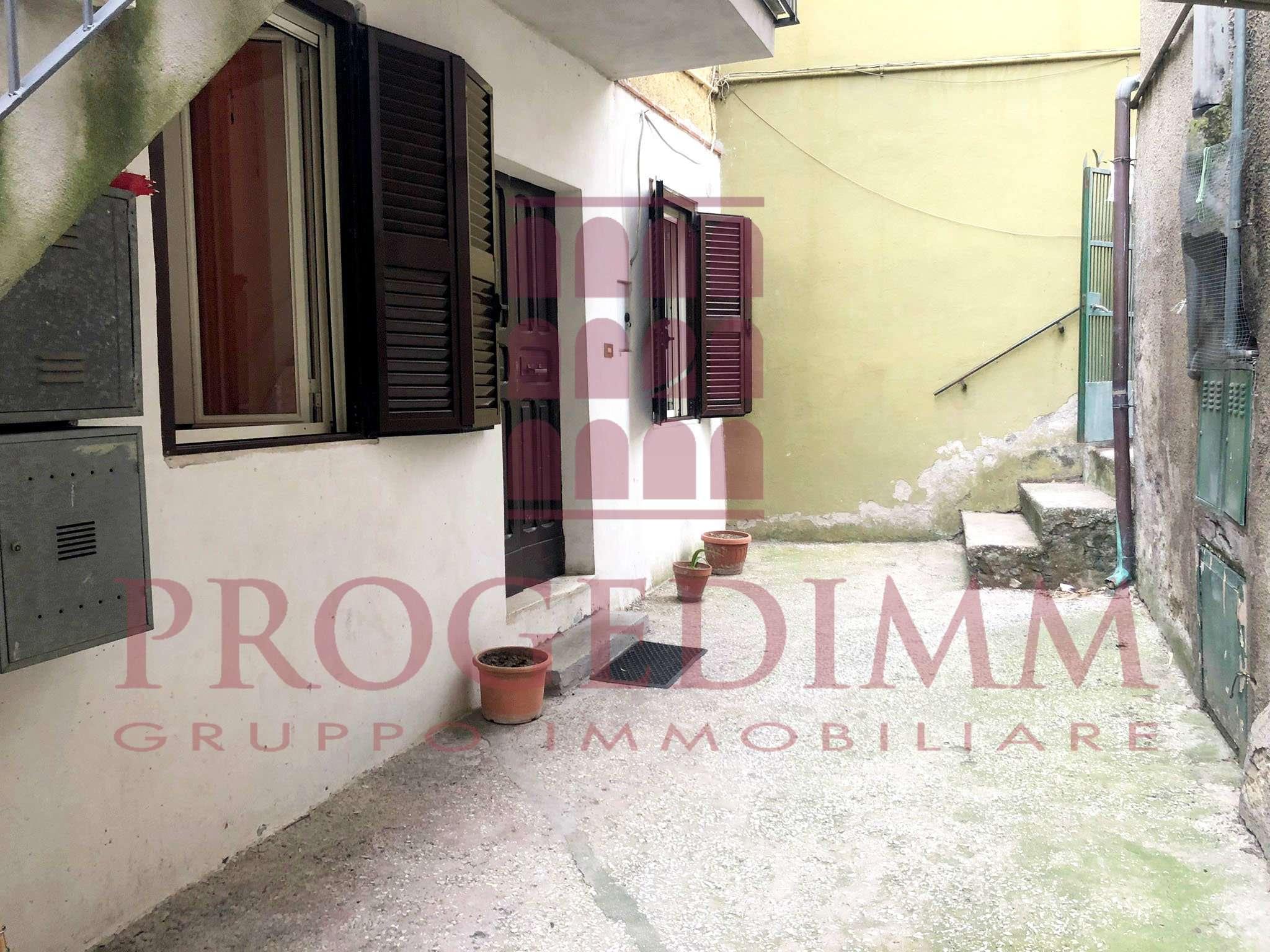 Appartamento in vendita a Palombara Sabina, 2 locali, prezzo € 55.000   CambioCasa.it