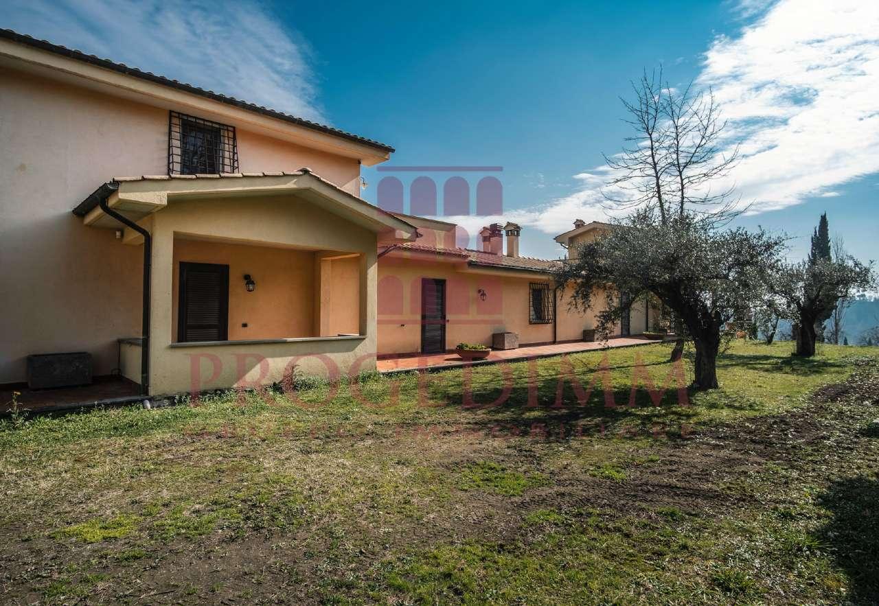 Villa Bifamiliare in vendita a Morlupo, 9 locali, prezzo € 495.000 | CambioCasa.it