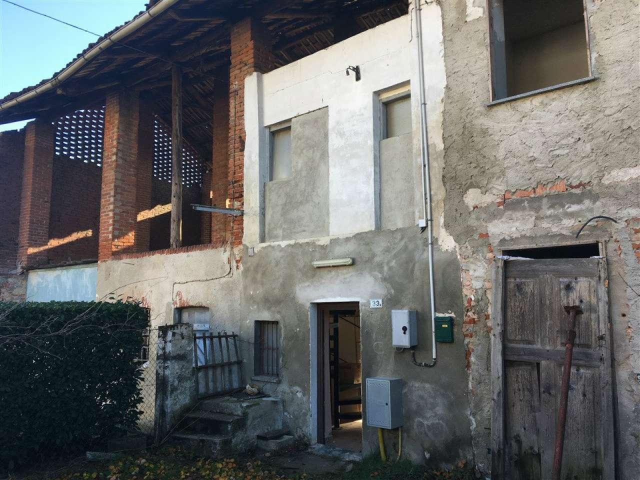 Porzione di casa da ristrutturare in vendita Rif. 6027144