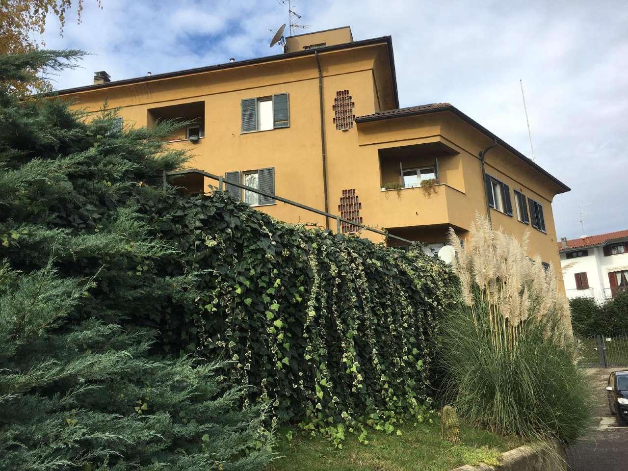 Appartamento in buone condizioni in affitto Rif. 8761410