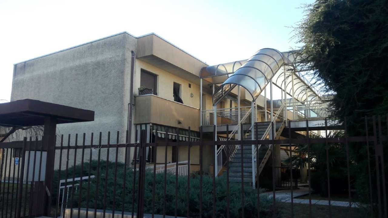 Appartamento in vendita a Ferno, 2 locali, prezzo € 70.000 | CambioCasa.it