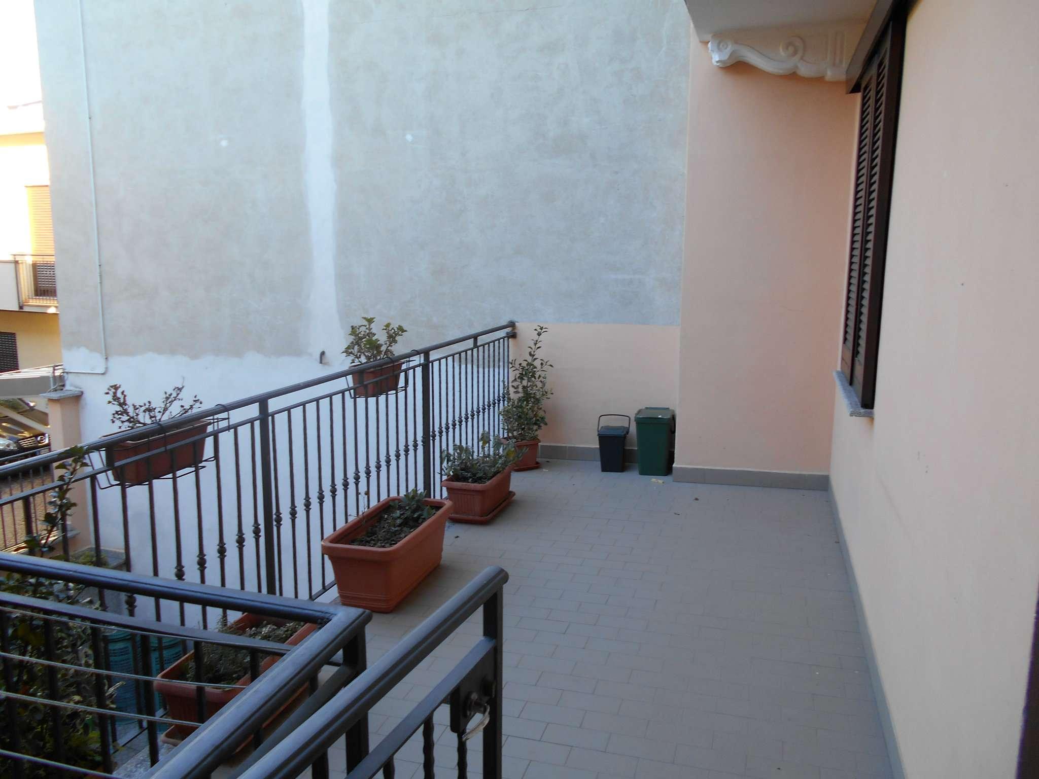 Appartamento in affitto a Cardano al Campo, 3 locali, prezzo € 600 | PortaleAgenzieImmobiliari.it