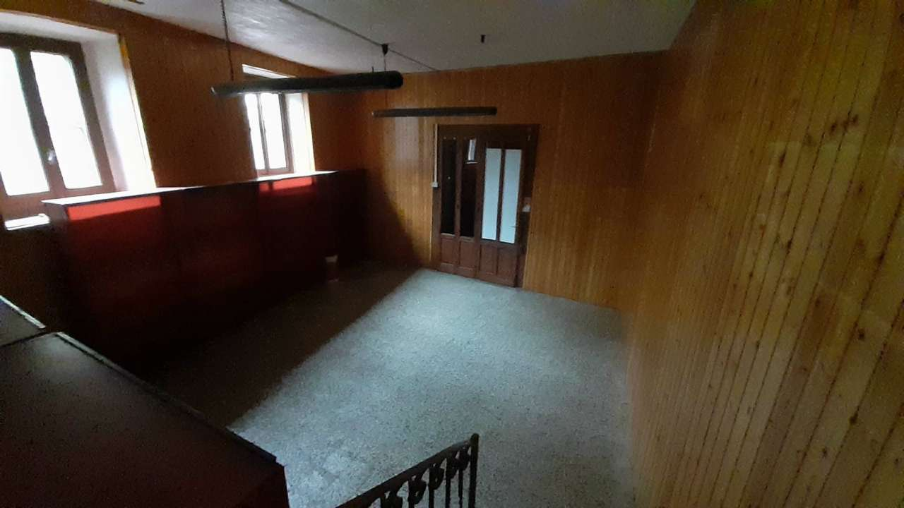 Negozio / Locale in vendita a Somma Lombardo, 3 locali, prezzo € 28.000 | PortaleAgenzieImmobiliari.it