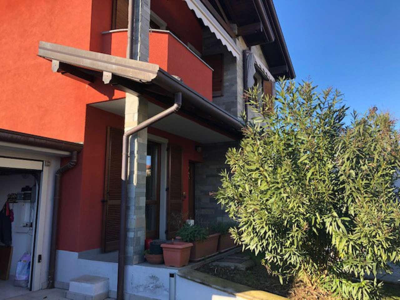 Soluzione Indipendente in vendita a Gorla Minore, 4 locali, prezzo € 350.000 | CambioCasa.it