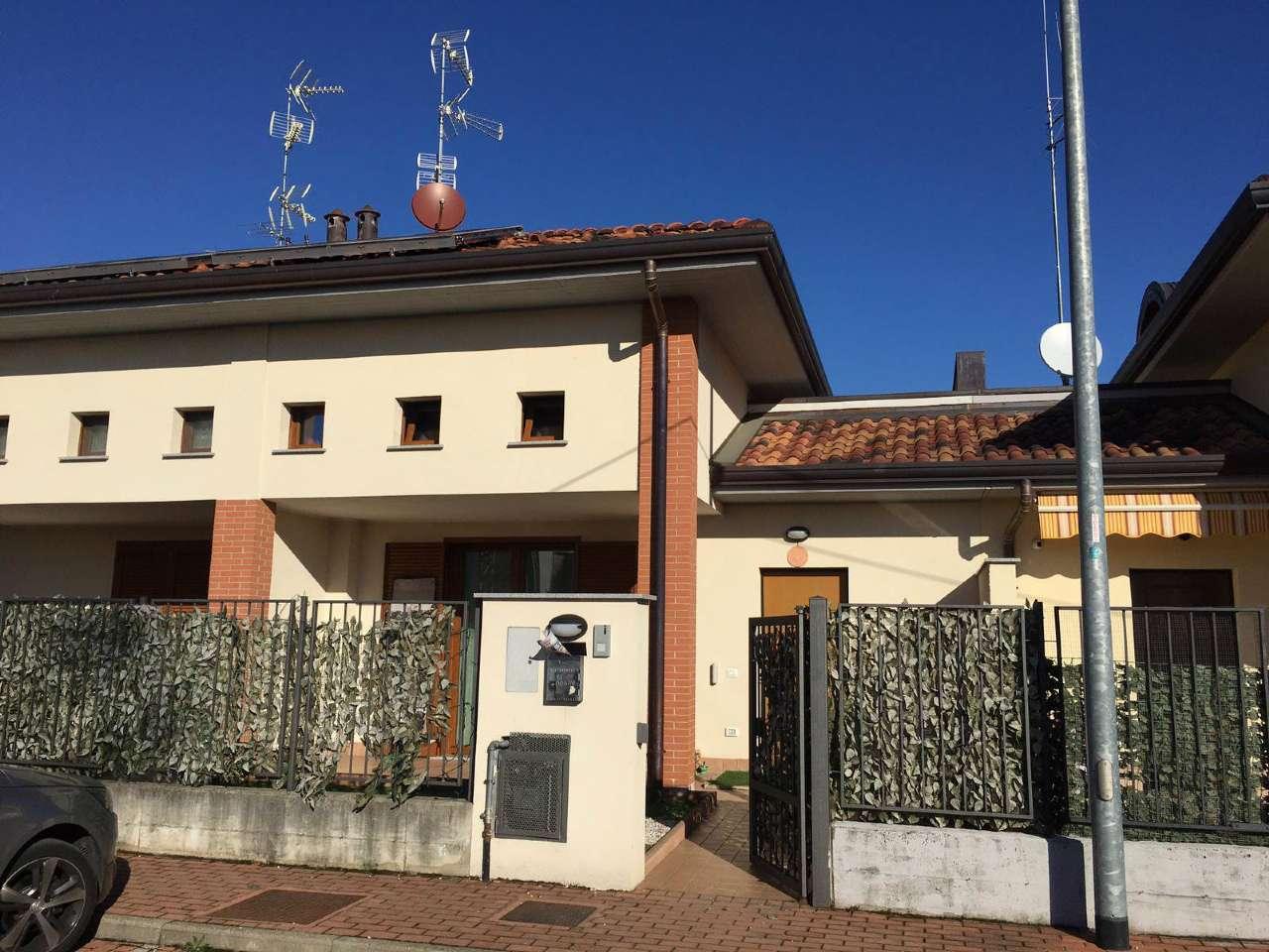 Villa a Schiera in vendita a Ferno, 3 locali, prezzo € 265.000 | CambioCasa.it