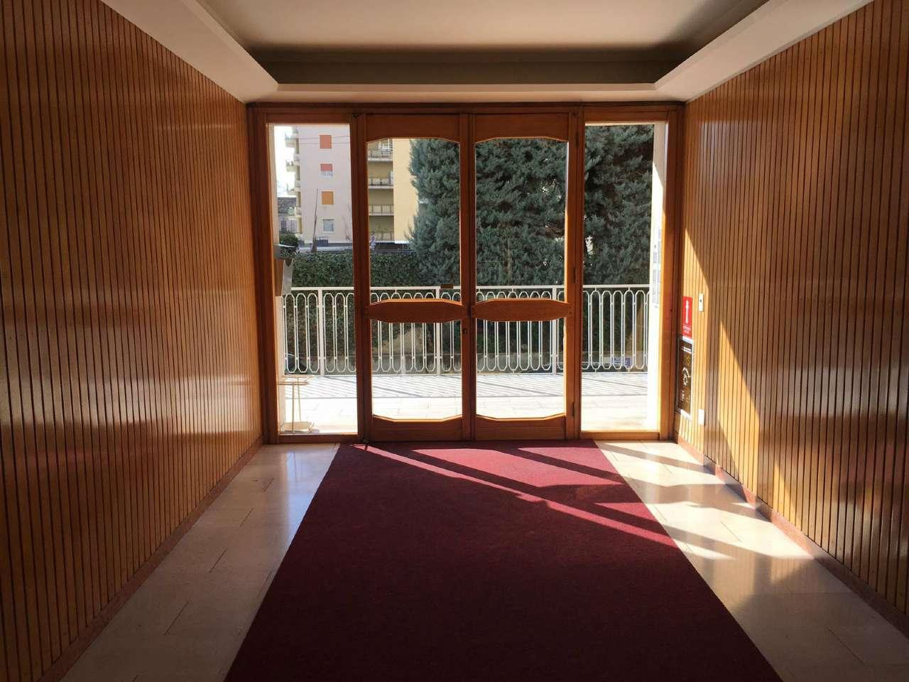 Ufficio / Studio in affitto a Somma Lombardo, 2 locali, prezzo € 450 | PortaleAgenzieImmobiliari.it