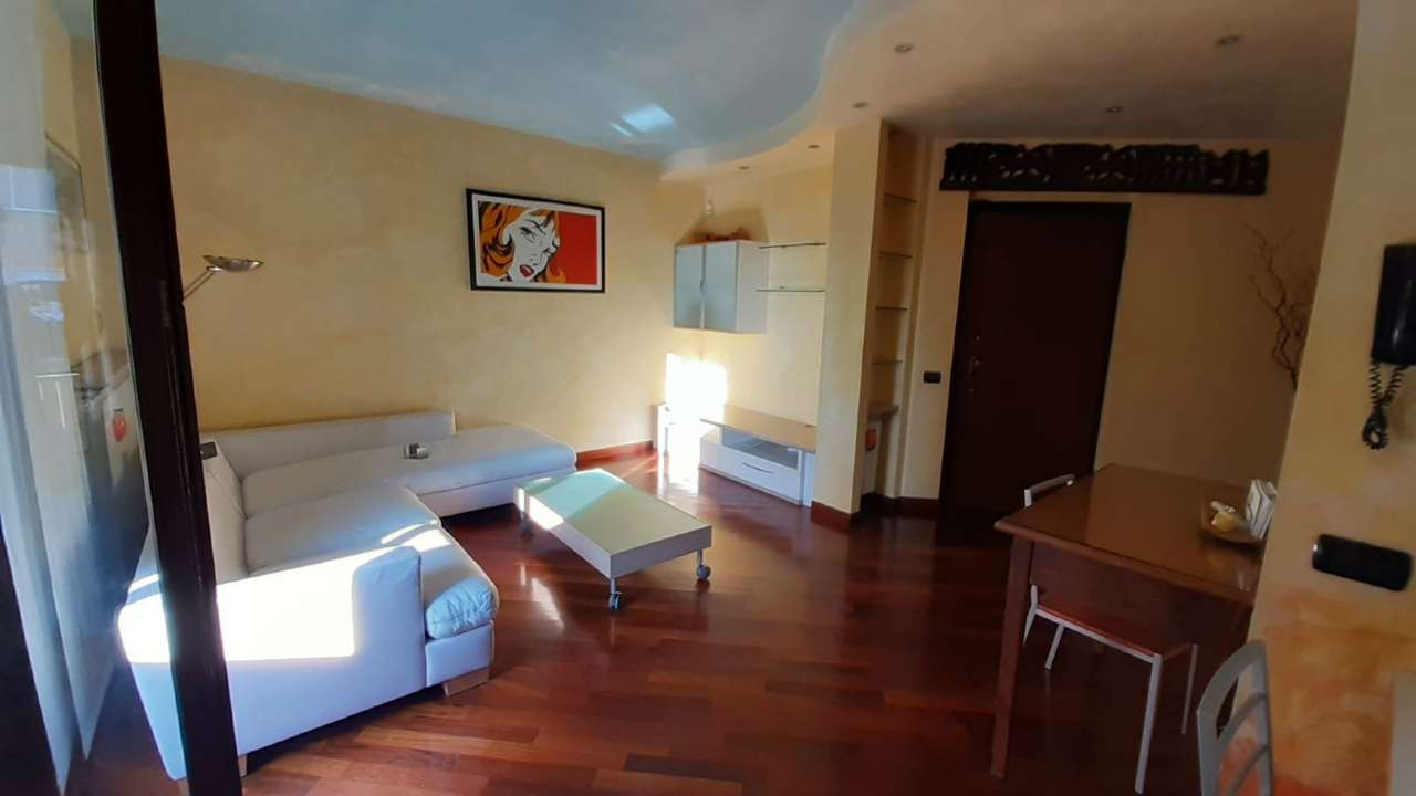 Appartamento in vendita a Gorla Minore, 2 locali, prezzo € 95.000 | CambioCasa.it