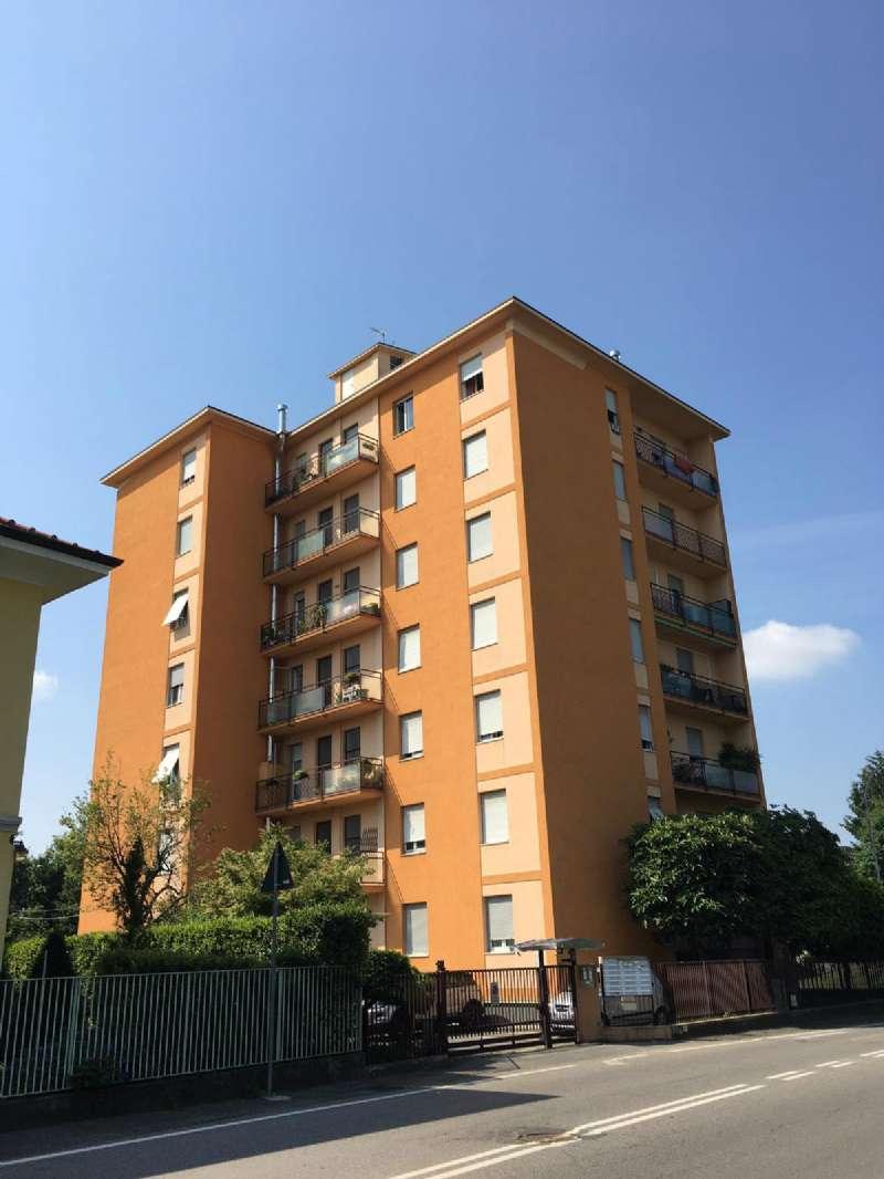 Appartamento in vendita a Cardano al Campo, 3 locali, prezzo € 98.000 | CambioCasa.it